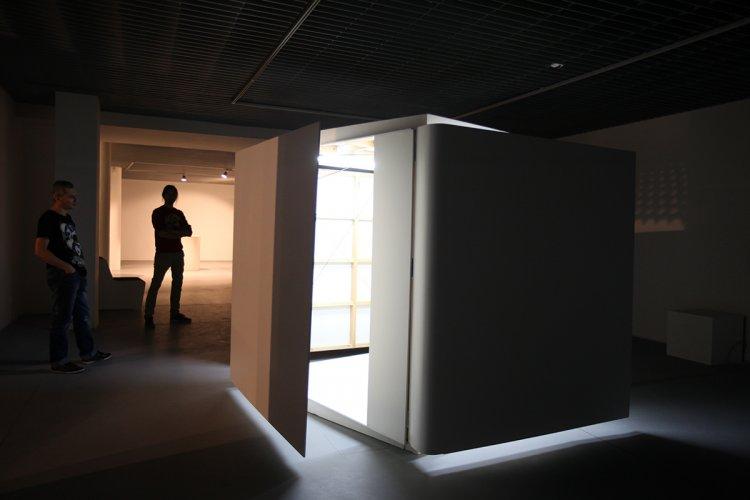 Jenny Brockmann: 'Shy Room', Wood, MDF, Motor, 2010, photo: Marcin Kucewics,©the artist