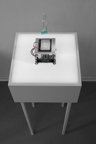 Jenny Brockmann Discourse Object #2 Peltier Element Light Pump Water 2018 photo Bernd Hiepe copyright the artist